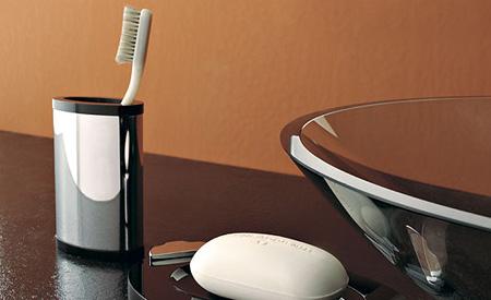 Toscanaluce accessori per il bagno in vendita presso Aiello Ceramiche ...